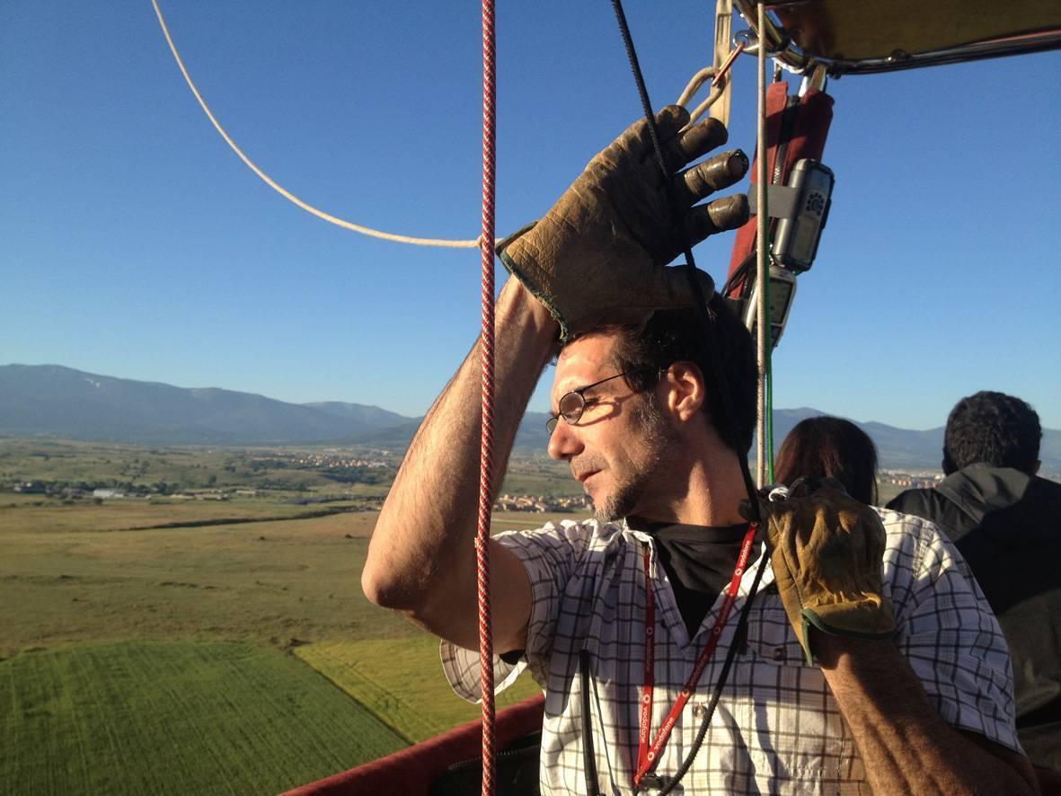 El piloto dispone de diferentes cabos de maniobra