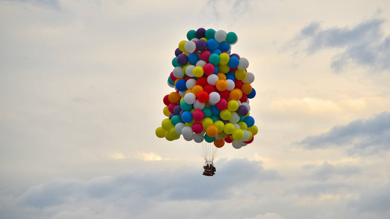 Volar con globos de helio siempre en las nubes - Como conseguir globos de helio ...