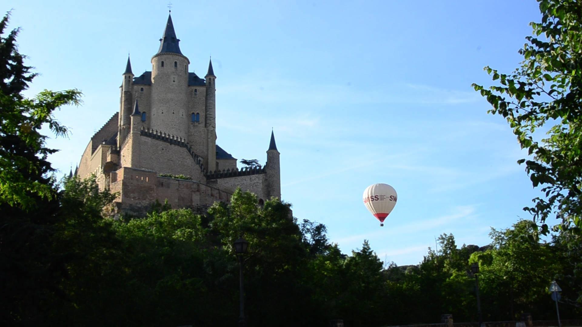 Hay una Segovia que solo podrás conocer desde la barquilla de un globo aerostático