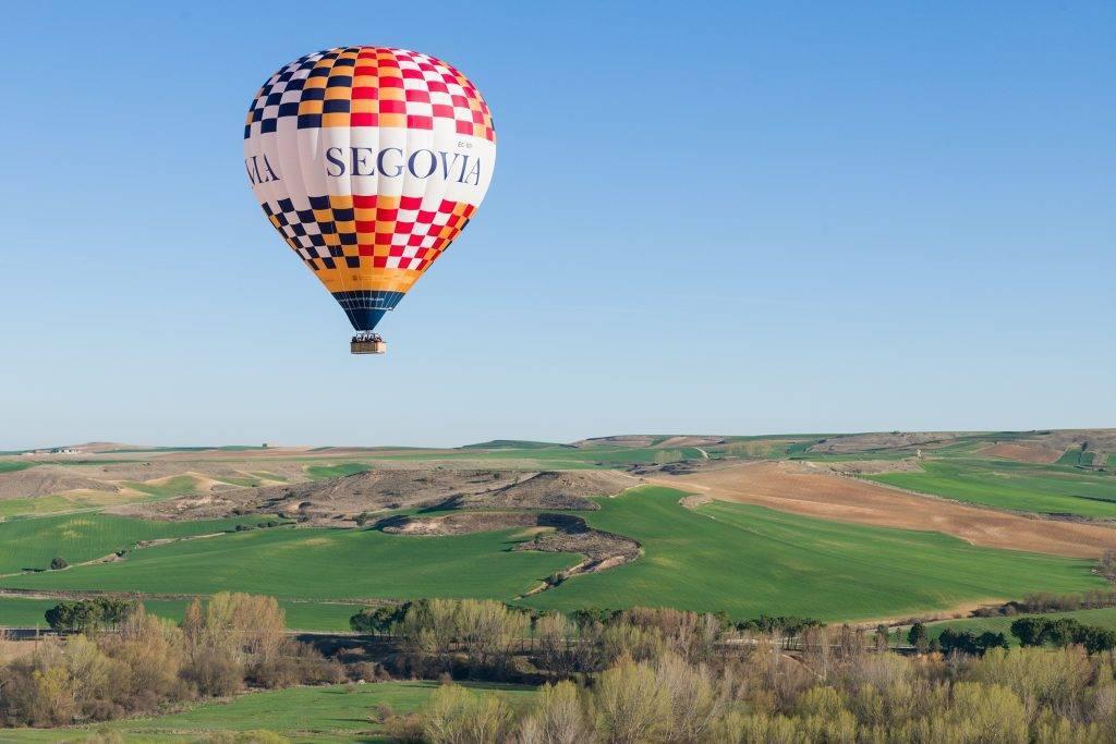 Globo aerostatico publicitario y accesible de Segovia