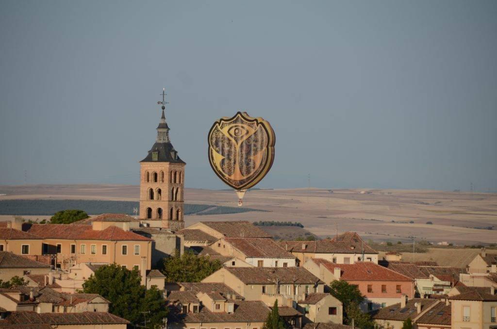 El Zephyr volando en Segovia