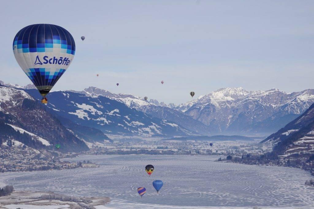 Winter balloon ride