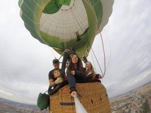 ¿hay una edad mínima para subir en globo?