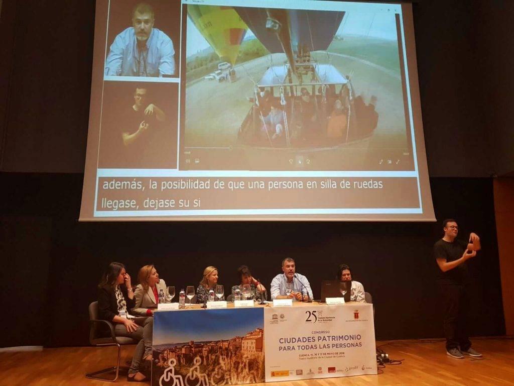 Presentación del globo accesible de Segovia en el congreso