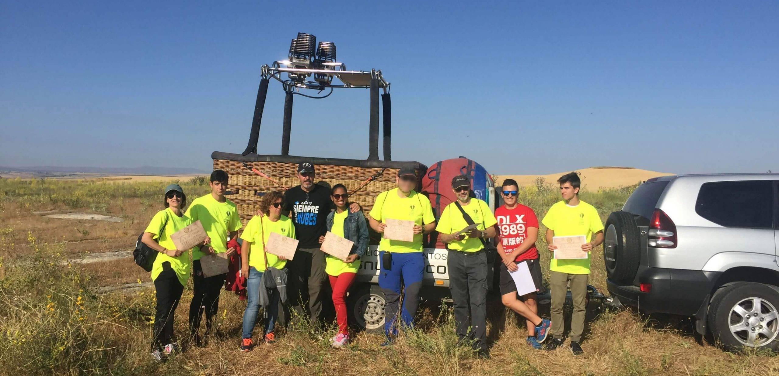 Voluntarios del festival de globos