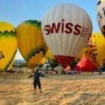 Volar en globo durante un festival